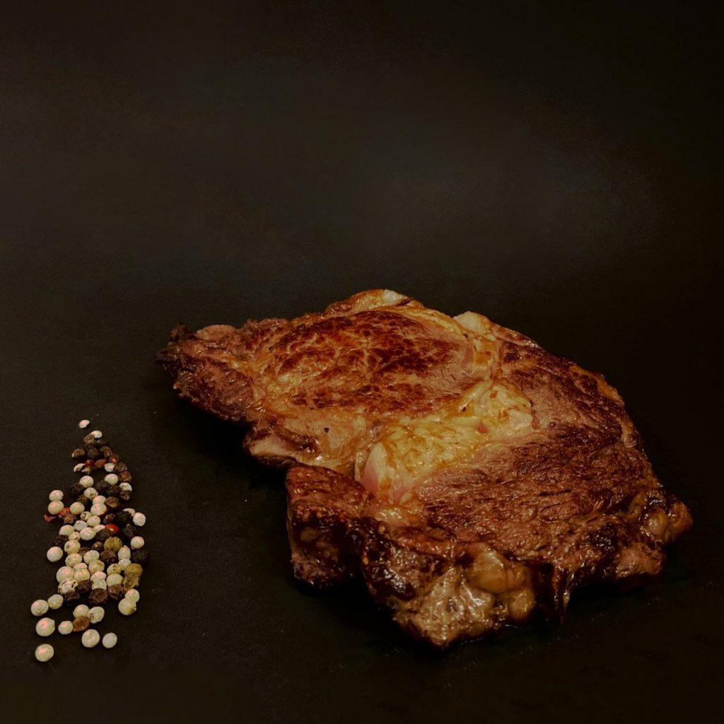Dry Aged Ribeye Steak gebraten - Landmetzgerei Frey