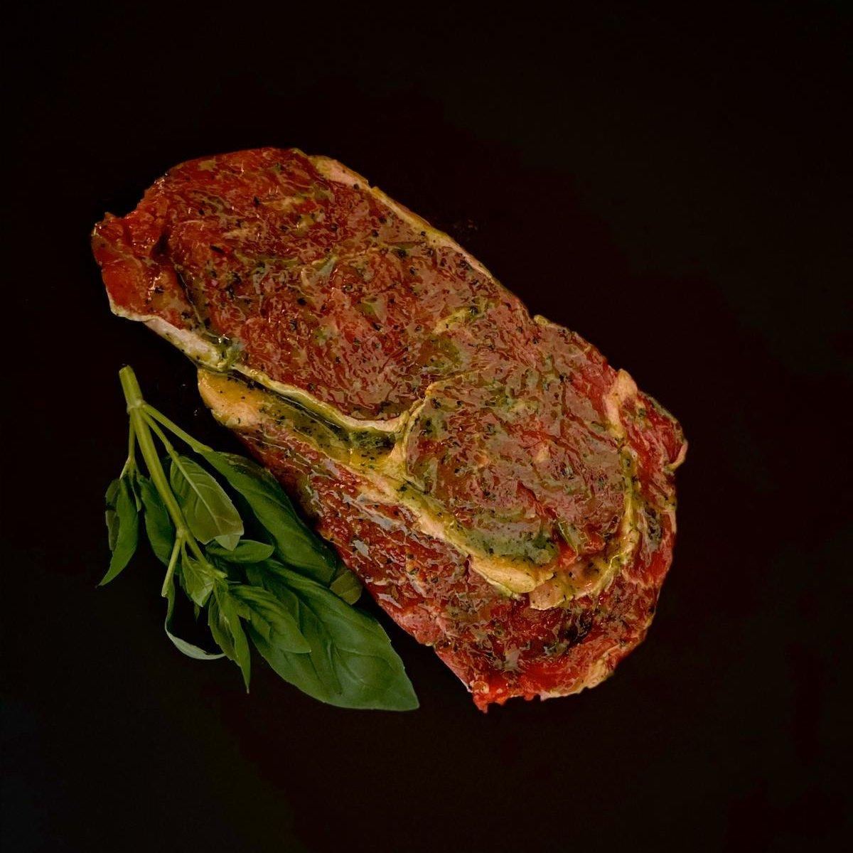 Rib-Eye-Steak in Kräuterbutter