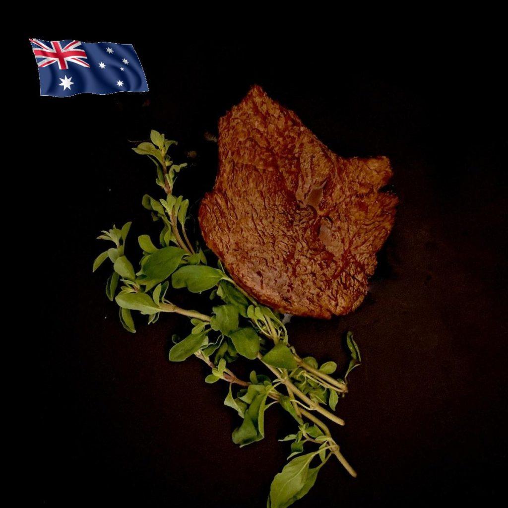 Leckeres Känguru Fleisch aus Australien fertig gegart