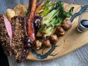 Tomahawk-Steak-zubereitet